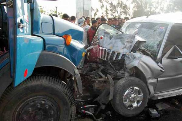 painful incident truck and scorpio s fierce bump 3 killed 3 injured