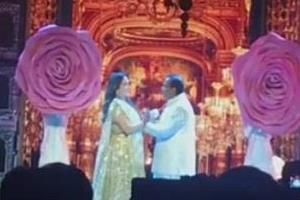 mukesh ambani romentic dance with wife nita ambani