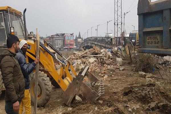 30 years old bunkers remove from lal chowk
