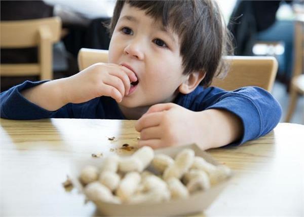 बच्चों को कितनी मात्रा में देनी चाहिए मूंगफली?
