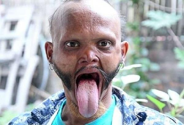 nepal man shows bizarre ability to lick his own forehead