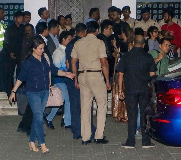 bollywood celebs back in mumbai
