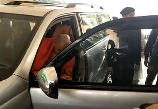 sultanpur kidnapping case yogi who came to meet the injured innocent