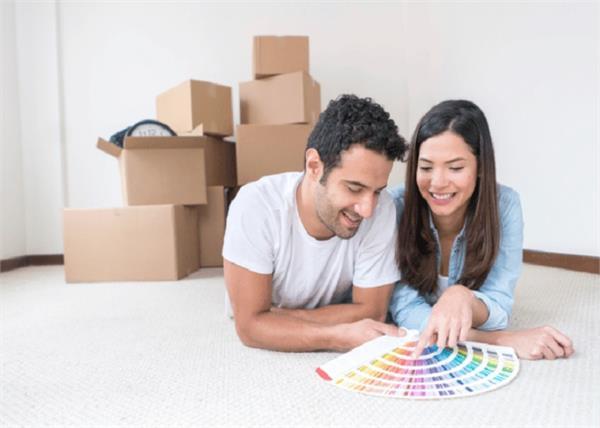 शादीशुदा जिंदगी में रोमांस भर देंगे ये बेडरूम वास्तु टिप्स