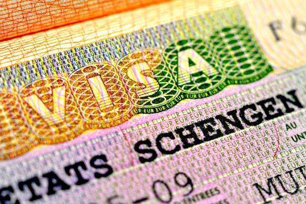 britain overcomes golden visas for rich people
