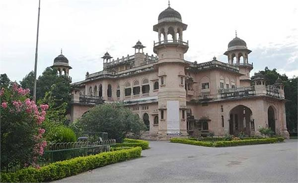ragging in the university of allahabad the youth got heavier