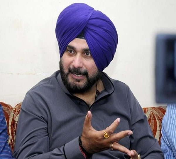 navjot singh sidhu takes a u turn says went to pakistan on imran khan
