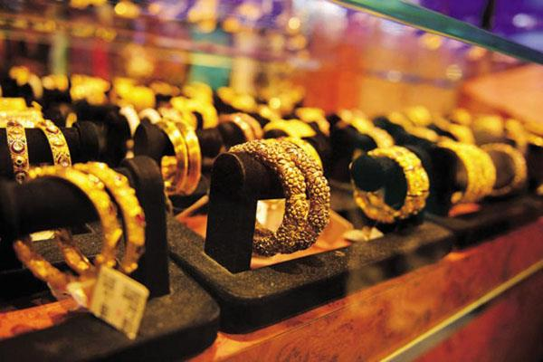 gold futures rise by rs 20 silver recovers 25 rupees