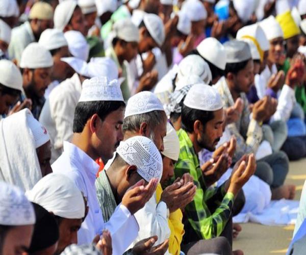 noida namaz controversy sp general secretary questions raised
