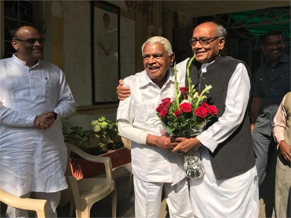 when digvijay meets gaur