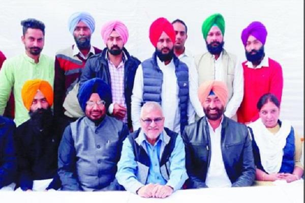 badal family and capt amarinder singh ghee shakar