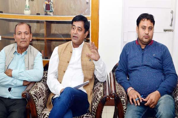 congress mla in favour of sukhu counterattack on virbhadra