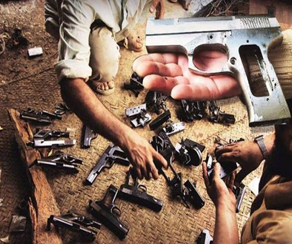 mahoba police busted the asalah factory arms including 2 arrested