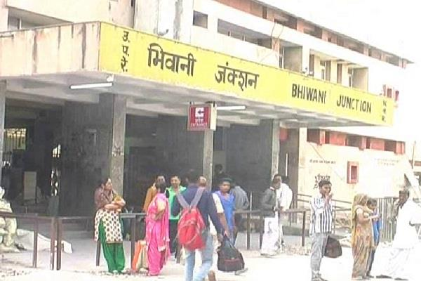 dead body found at bhiwani railway junction
