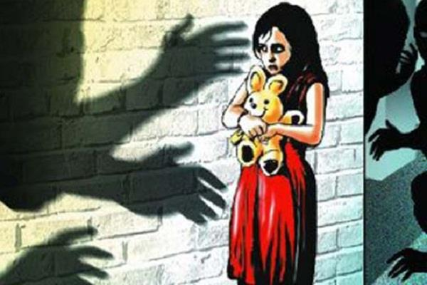 85 old man raped 6 years old girls