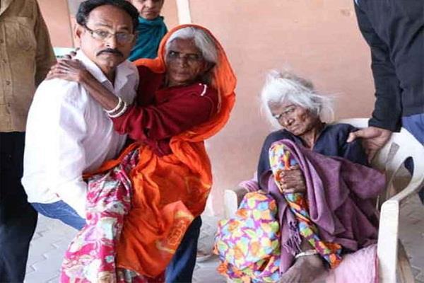 राजस्थान चुनाव: जोधपुर में 114 वर्ष की महिला ने किया मतदान