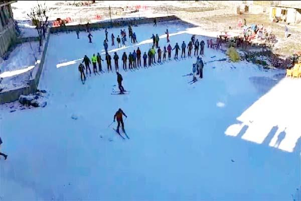 touist will now enjoy skiing without snowfall in himachal