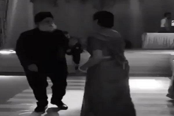 dance of this old couple made a sensation on social media