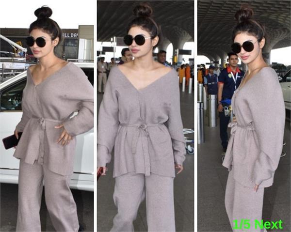 mouni roy latest photo in casual dress spot at mumbai airport