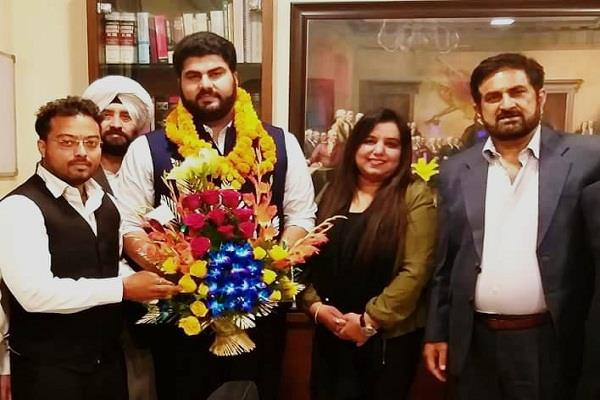 suvir sidhu member of the punjab haryana bar council formed at age of 28