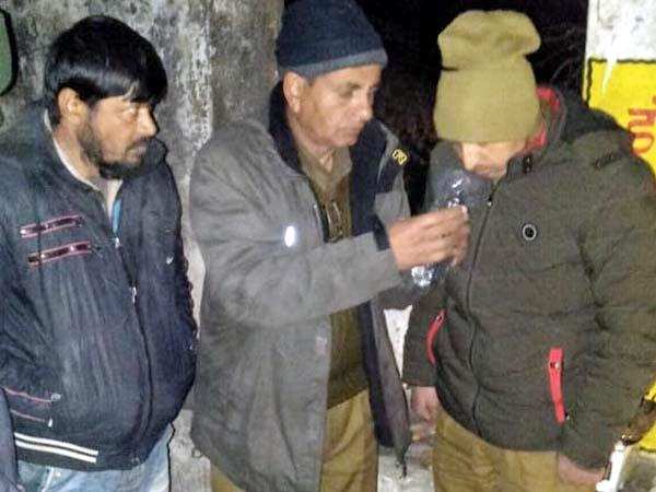 hashish recovered from tourist vehicle driver arrested