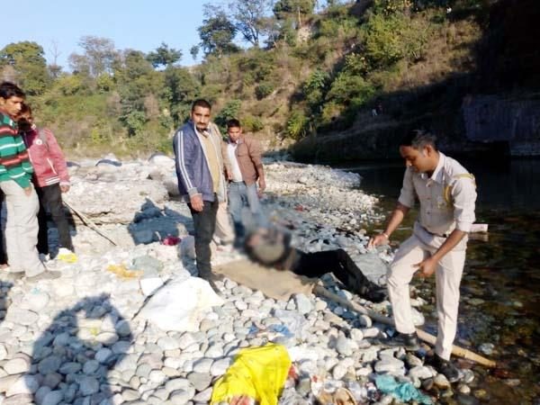 deadbody of youth found from river