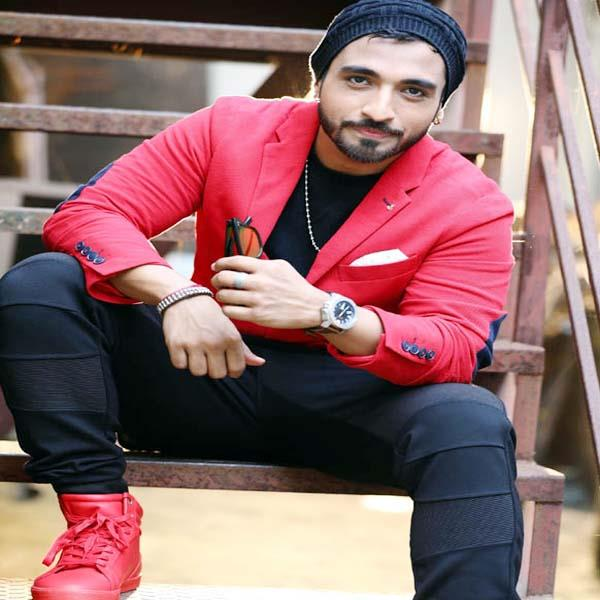 bollywood playback singer said if you get chance then will try luck in acting