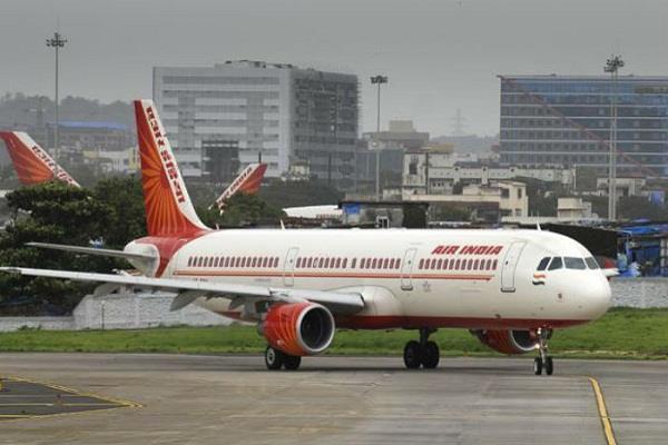 delhi amritsar flight