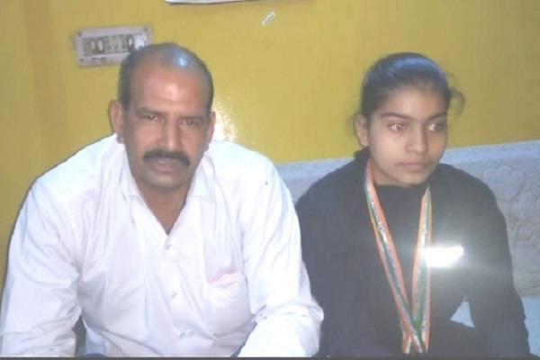 nisha yadav won gold at the shooting championship in kerala