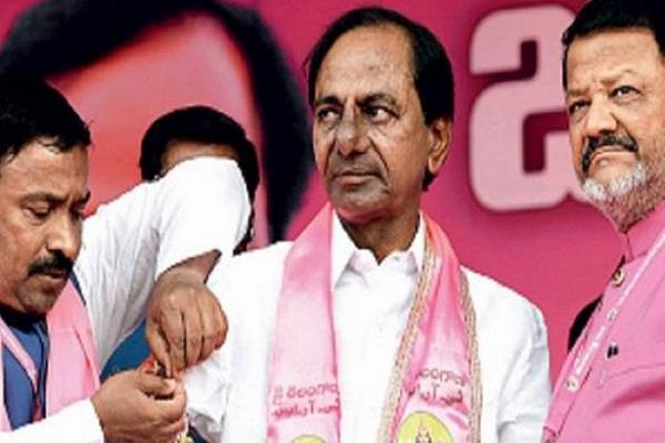 TRS और कांग्रेस तेलंगाना में अपनी - अपनी जीत को लेकर आश्वस्त