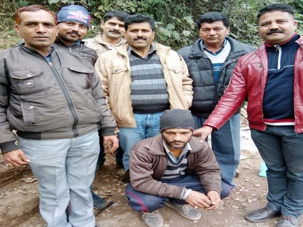 drug business was runnig on tea shop  police such busted