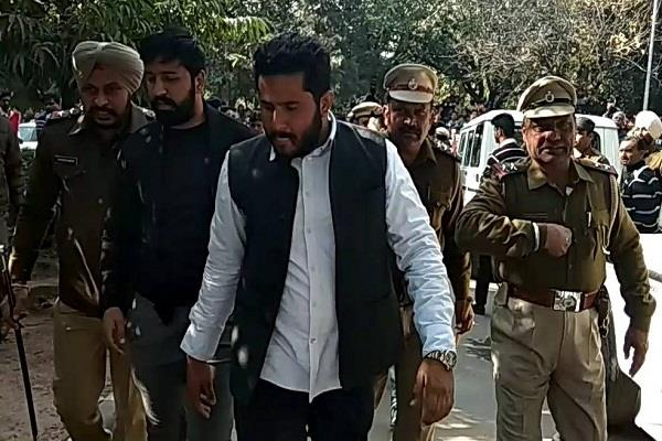 nsui leader budhiraja arrested for arguing with cm