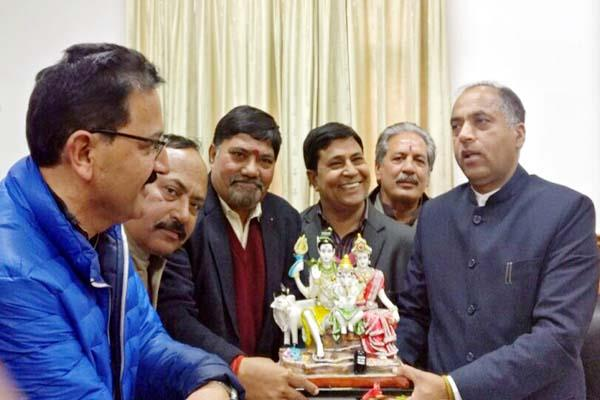 hp business delegation met from cm  demand for raising gst limit