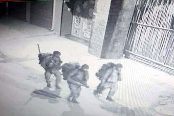 photo of 3 gunmen viral on social media  dsp told the truth