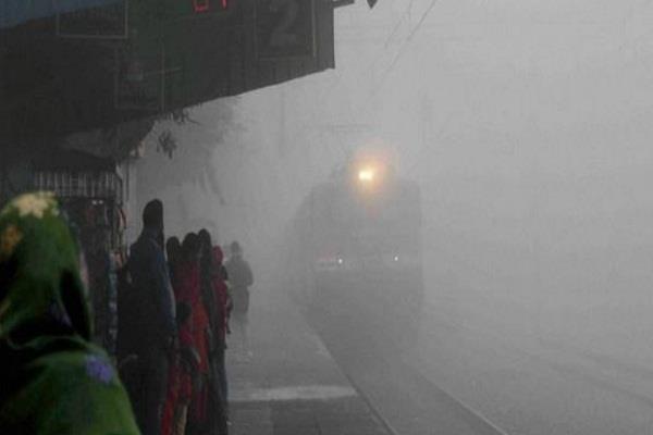 delhi  train  rail