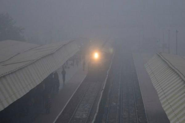 64 trains late on fog  30 flights affected