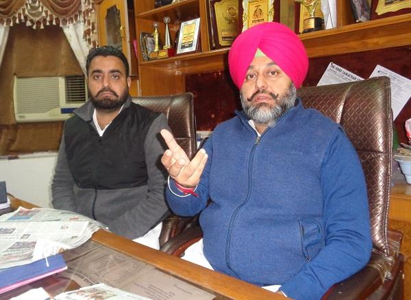 decision to ban the entry of indian officials in overseas gurdwaras condemnable