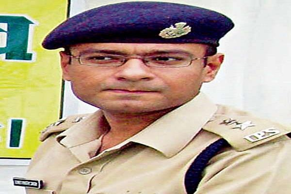 sp reached court without uniform