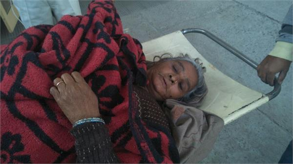 akali sarpanch fired 5 wounded