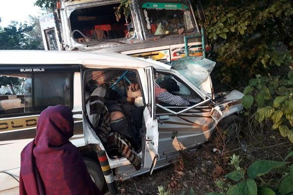 7 people died from truck and sumo collision