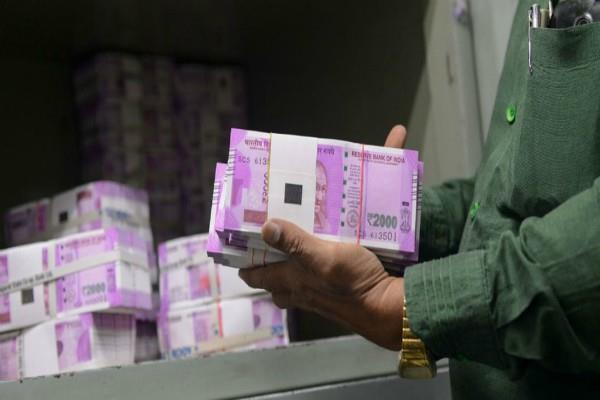 no claimant of rs 8 thousand crore lying in banks