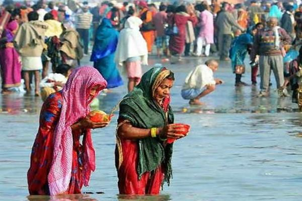 more than 20 lakh devotees did the bath in the ganga sagar sea