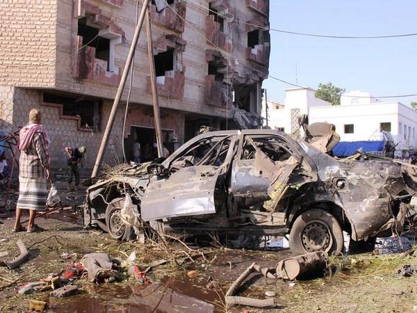33 killed in twin car bomb blast in libya dozens injured