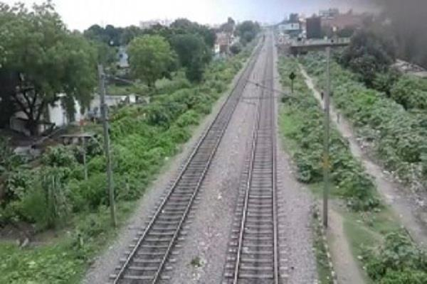 una hamirpur in between will spread so much km rail line