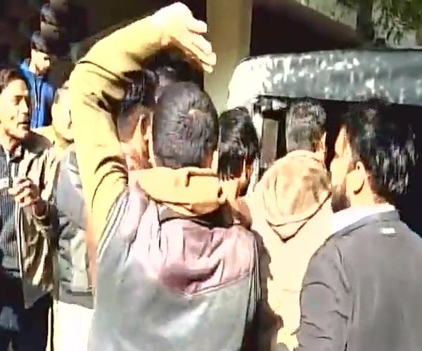 added courtesy lover to court marriage vhp activists fired heavily