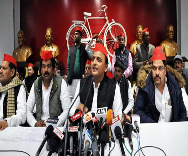 akhilesh questions raised on evm  said   can not trust the government