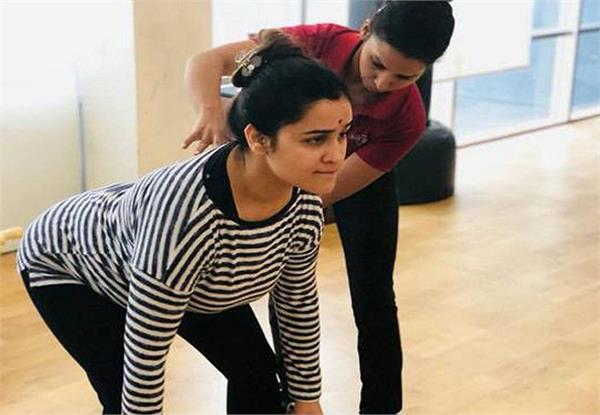 mulayam daughter in law shed sweat in gym pictures on social media viral