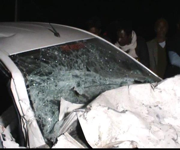 scorpio toyota collide with 1 dead 9 wounded