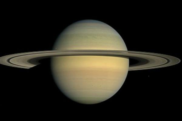 characteristics like saturns moon titan on earth