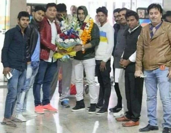 luv tyagi grand welcome in delhi post eviction